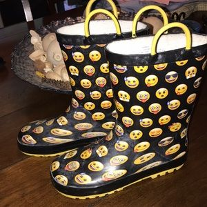 Other - So cute! Kids 13/1 emoji rain boots